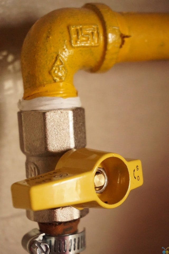 How to Fix a Dripping Bathroom Faucet {Ultimate Guide}