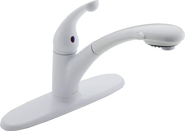 Delta Faucet Signature Single-Handle Kitchen Sink Faucet with Pull Out Sprayer, White 470-WH-DST